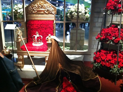The throne done in red roses