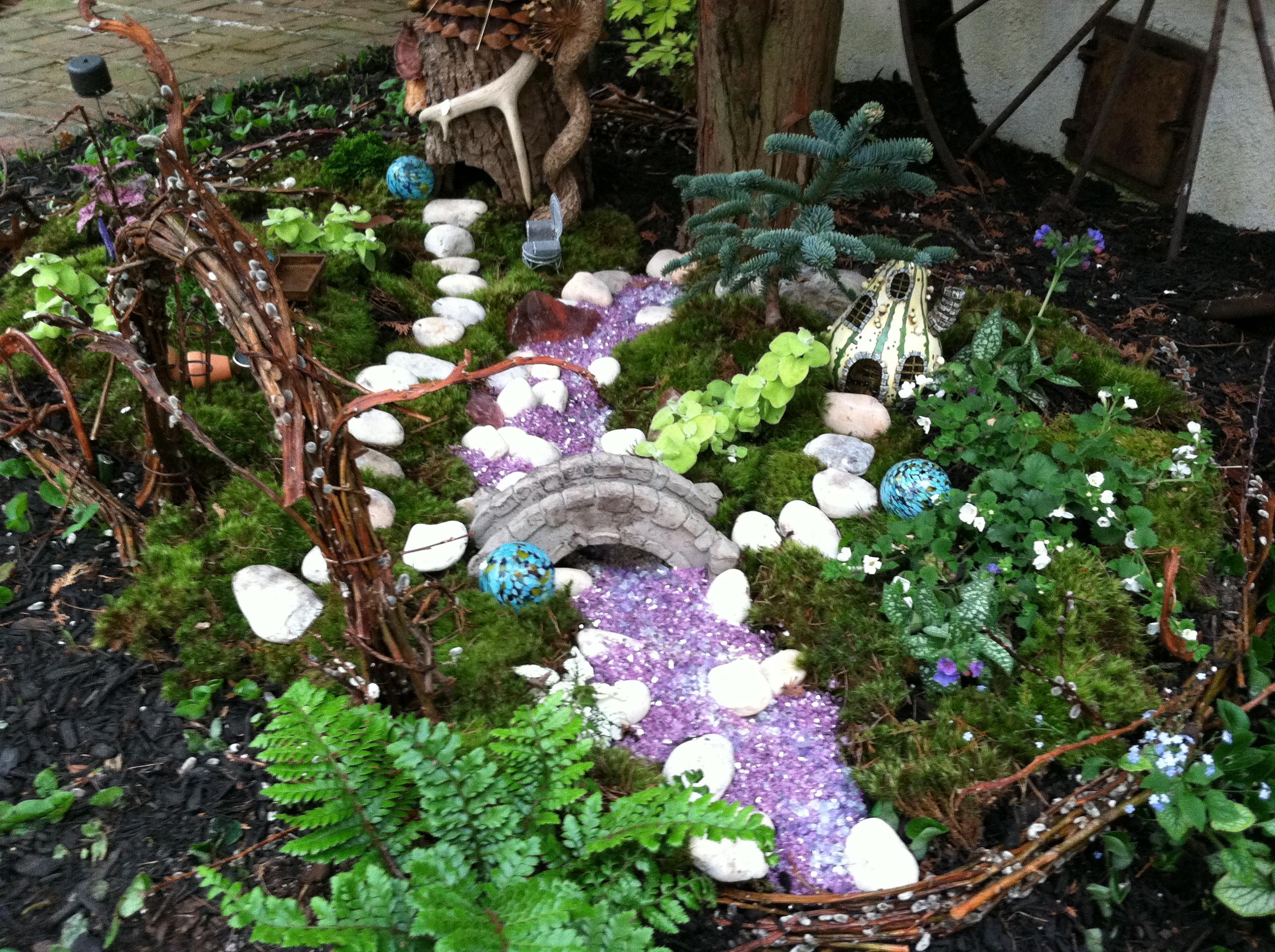 Outdoor fairy garden go wild the garden diaries for Fairy garden ideas pictures