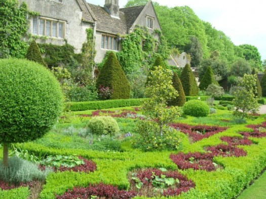 There is nothing cookie cutter about English gardening!