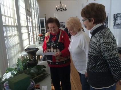 Preparing to make an urn arrangement