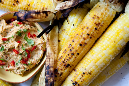 Grilled corn with Roasted Pepper Butter-11