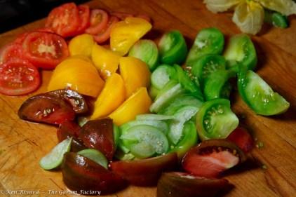 Tomato and Burrata Salad-12