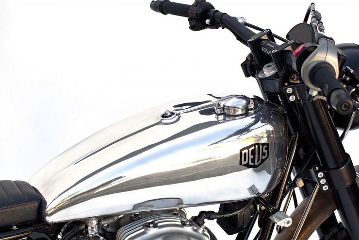 kawasaki-w650-custom-motorbike-2