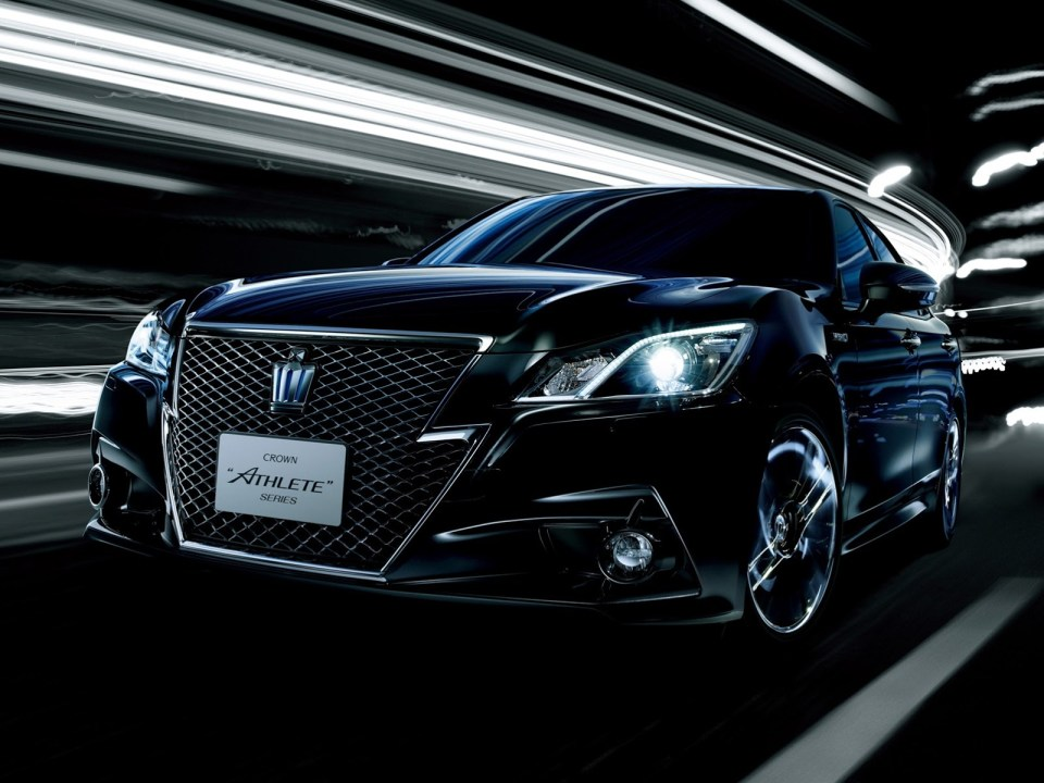 2013-toyota-crown-royal-and-athlete-revealed-photo-gallery_6