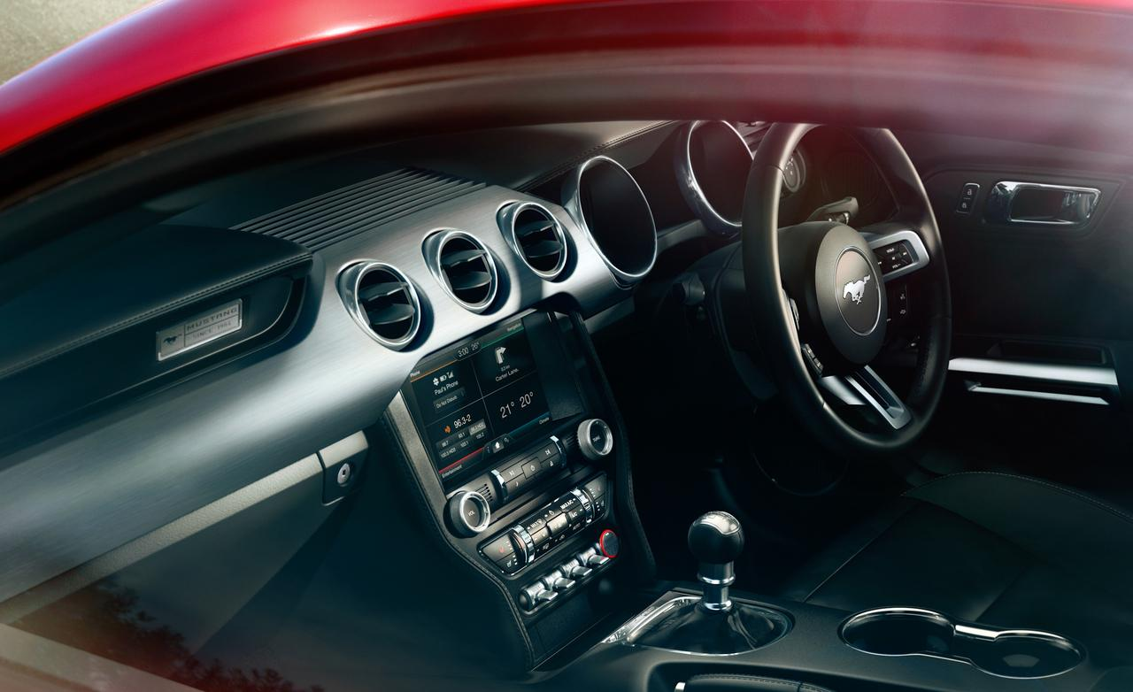 2015 ford mustang gt interior photo 557887 s