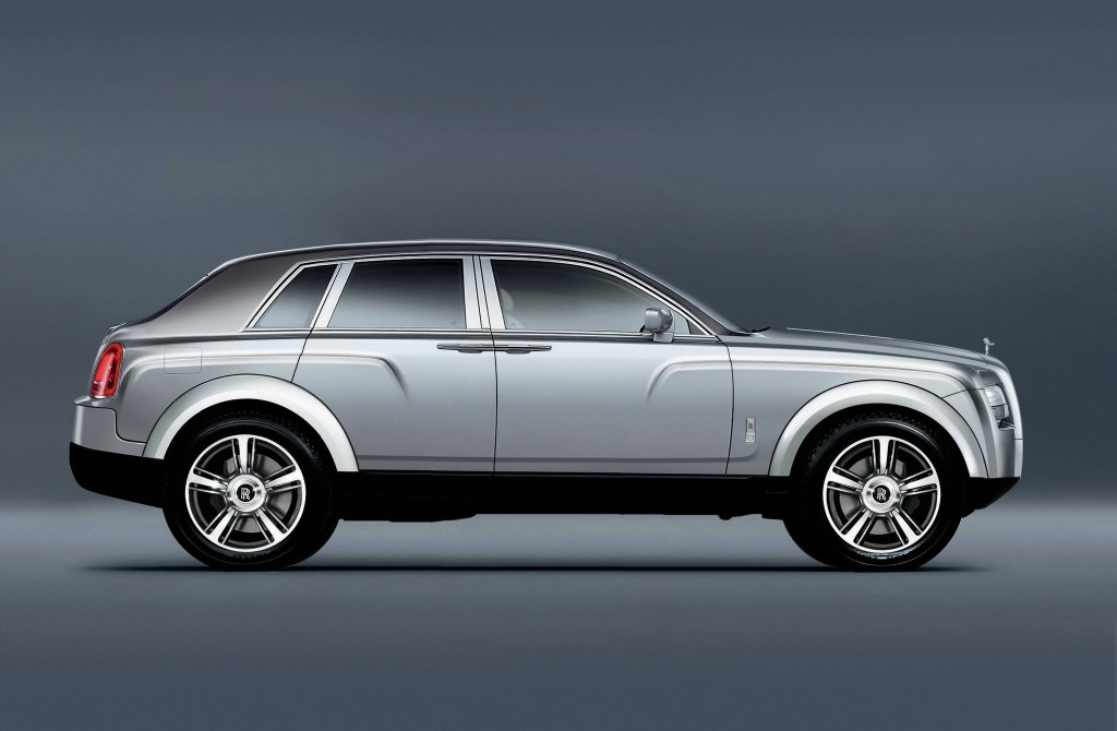 rolls-royce-suv-sneak-preview-profile