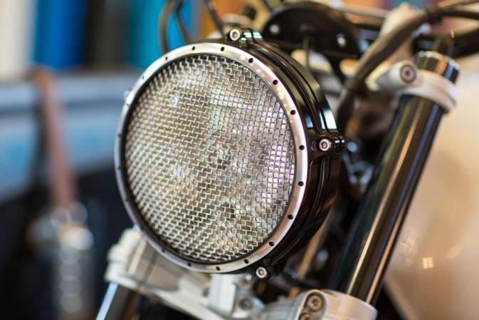 bmw-path22 lamp