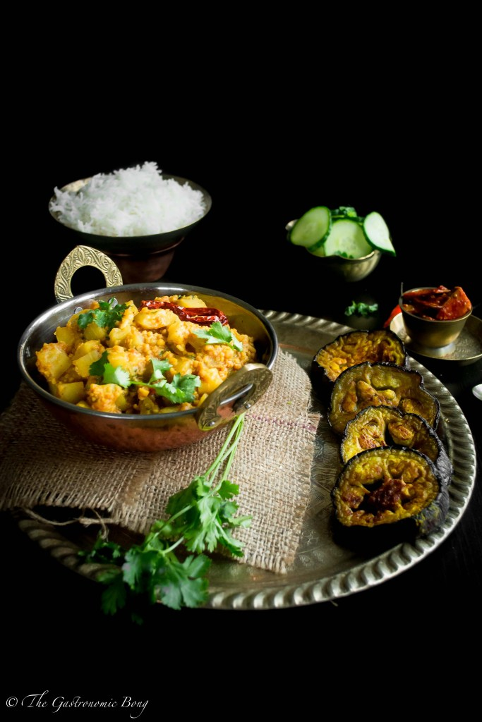 BottleGourd With Split Green Gram Dal (Lau Diye Bhaja Moong Dal)