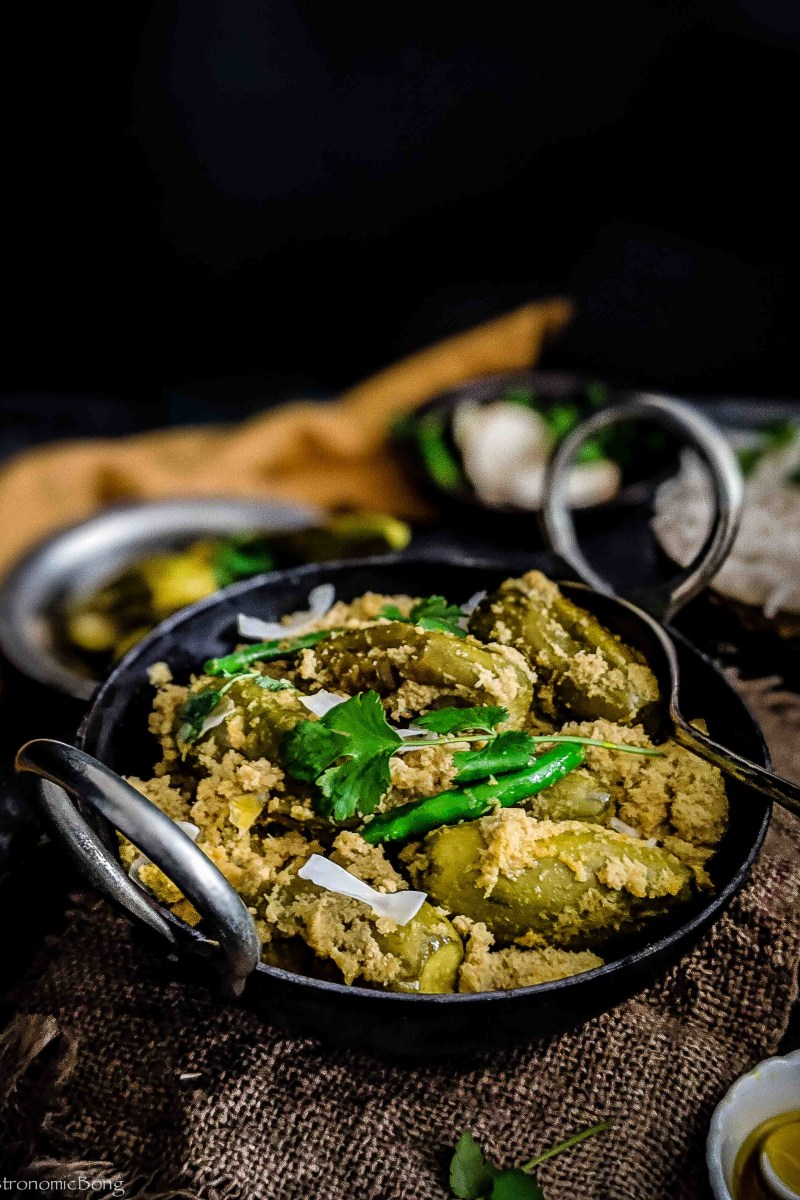 Pointed gourd (parwal)cooked in poppy seeds and coconut paste