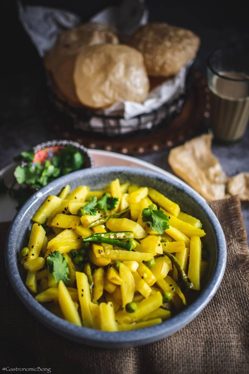 sada aloo torkari (potato curry bengali style)