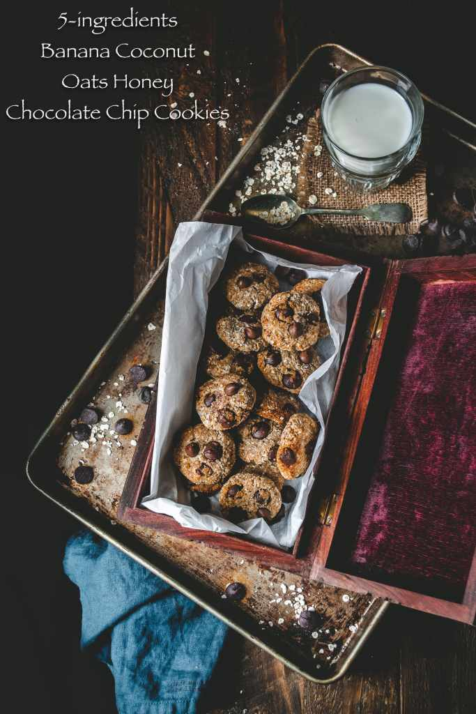 5-ingredients Banana Coconut Honey Oats Chocolate Chip Cookies