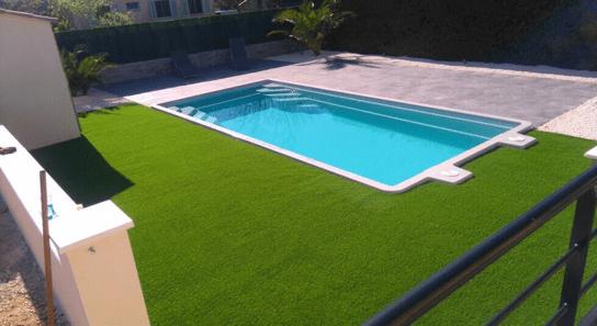 pelouse synthetique et pose de gazon