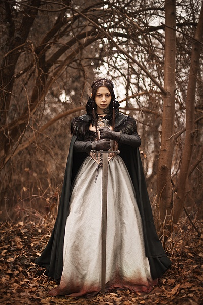Arya Stark cosplayed by Gogo Blackwater and photographed by Anna Lucylle Tashini