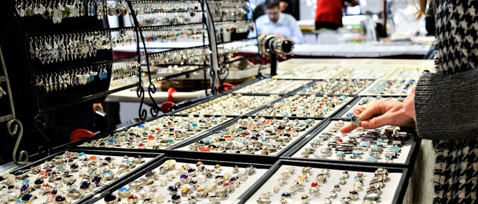 Rings, rings, rings and more!!