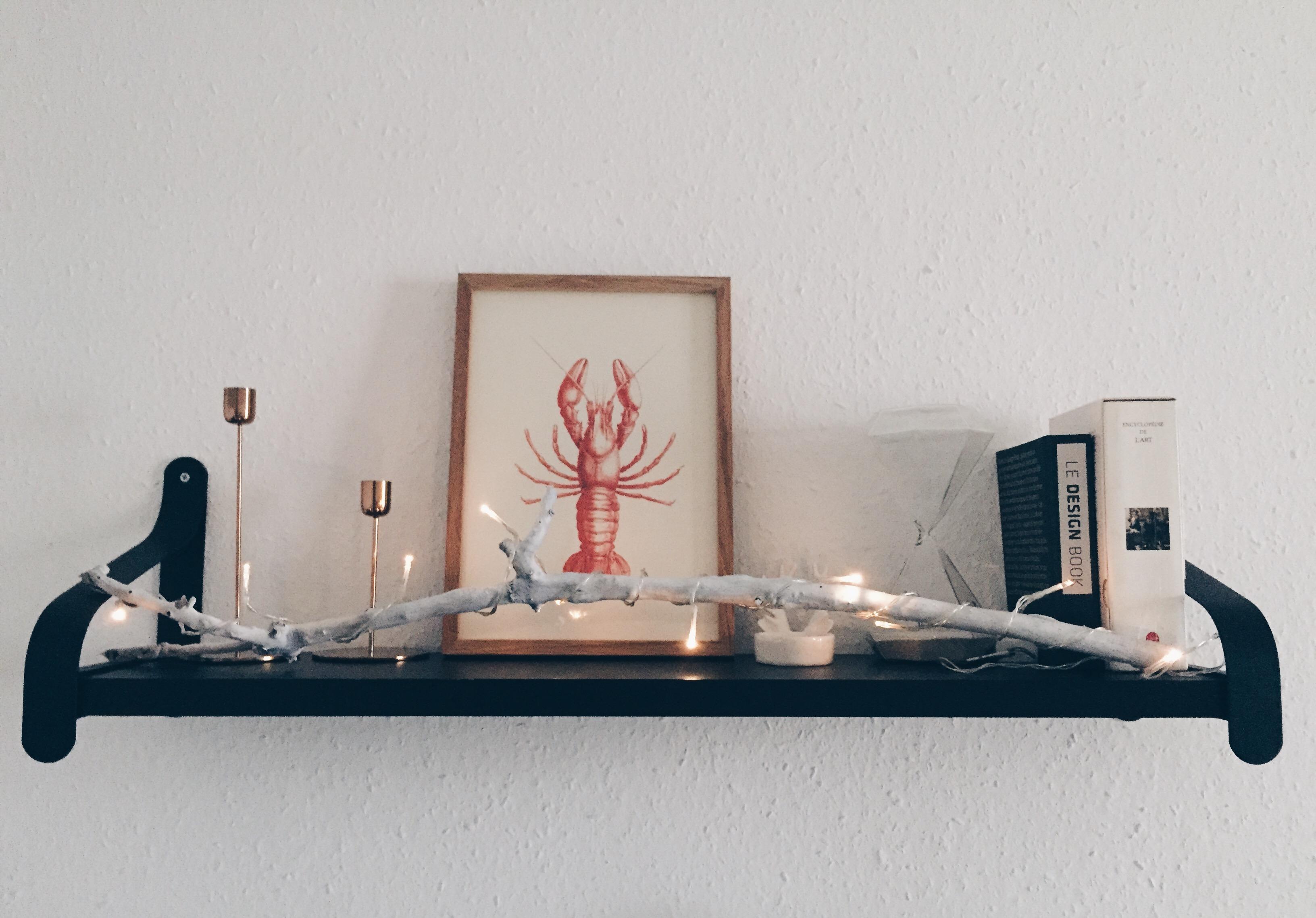 DIY last minute christmas decor ideas - the illuminated branch