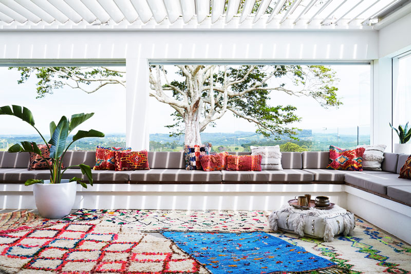 6 brilliant ideas to style Persian rug according to designers