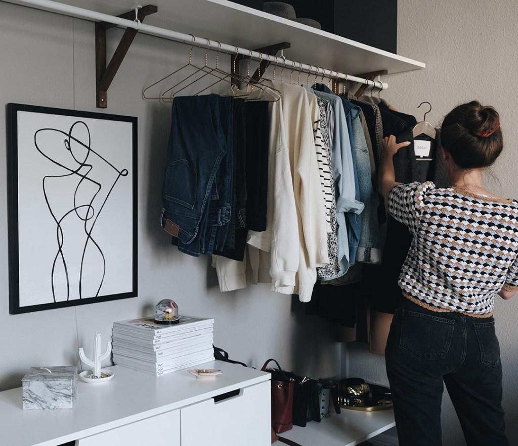 small space closet organization: capsule wardrobe