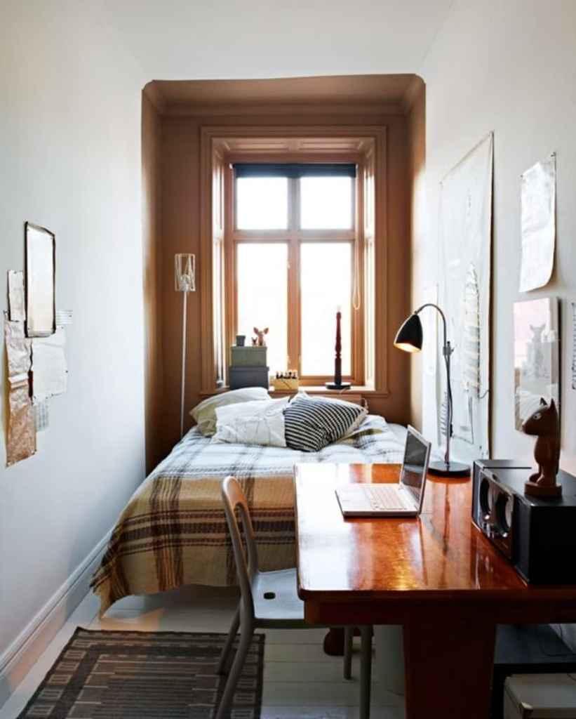 small bedroom with trompe l'œil alcove