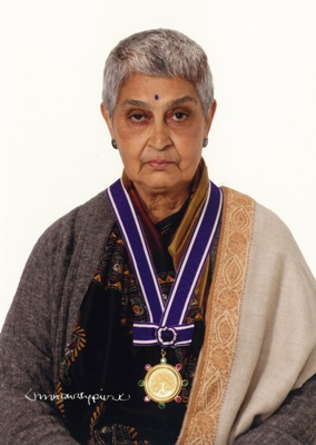 Gayatri Chakravorty Spivak (Inamori Foundation) - Jacques Derrida - genetics - deconstruction - critical theory - literary theory