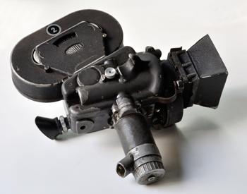 35 mm Movie Camera (Biswarup Ganguly) - Hirokazu Koreeda - After Life - restricted narration, subjectivity, objectivity