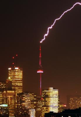 CN Tower lightning strike (Raul Heinrich) - scientific defense of panpsychism - evolution, biology, gravity, electricity