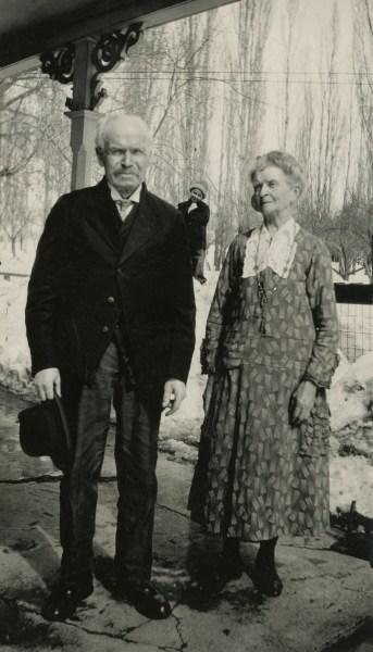 Frederick William Ellis and Susan Kaziah Davis, in the snow