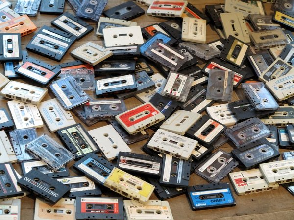 17864-audio-cassettes-pv
