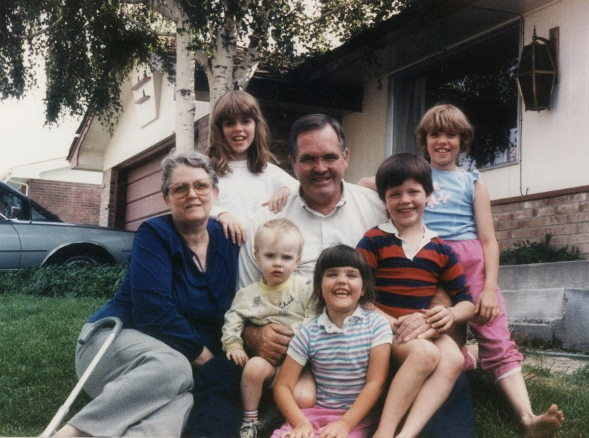 PETERSON, Grandma and Grandpa with Kent kids, 1987