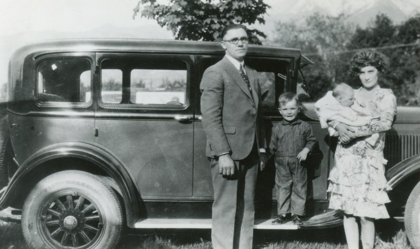 PETERSON, Rulon, Naomi, Ronald and Janice, 1929 by the car