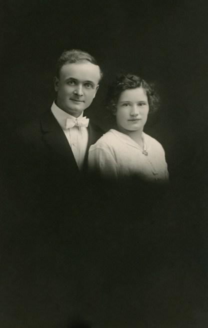 ELLIS, Parley & Ruth, their wedding day, 26 April 1916