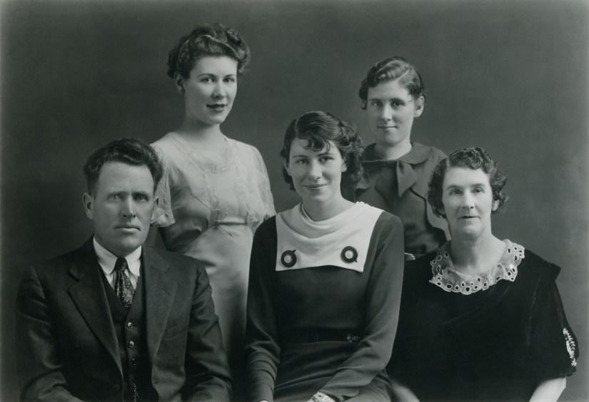 William Samuel Ellis & Vaughn Parry family