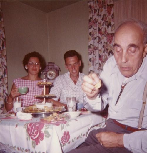 COSTELLO, Barbara, Dan, & John, 1961 in Yakima
