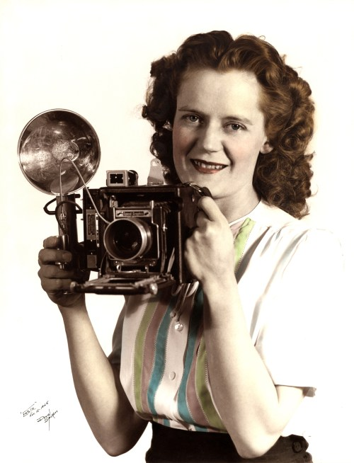 MAFFIT, Hope Estelle, 15 Nov 1945, with camera