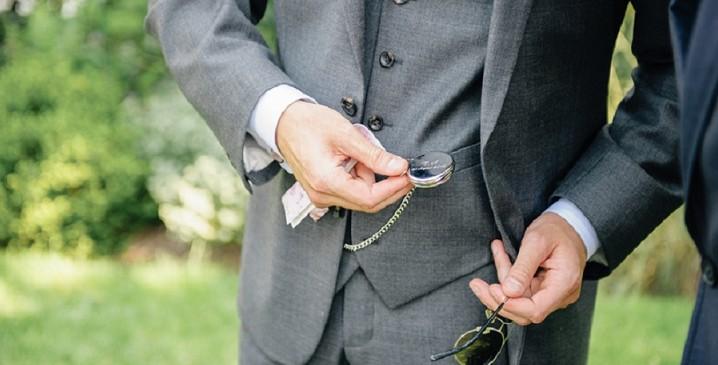 Come indossare un orologio da taschino