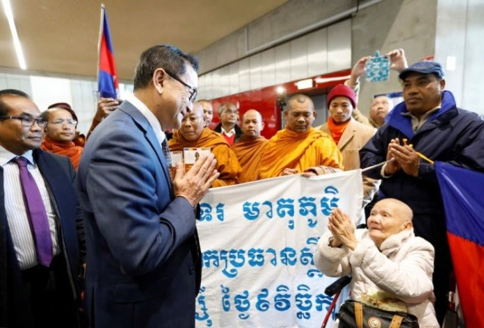 Sam Rainsy at Malaysian airport