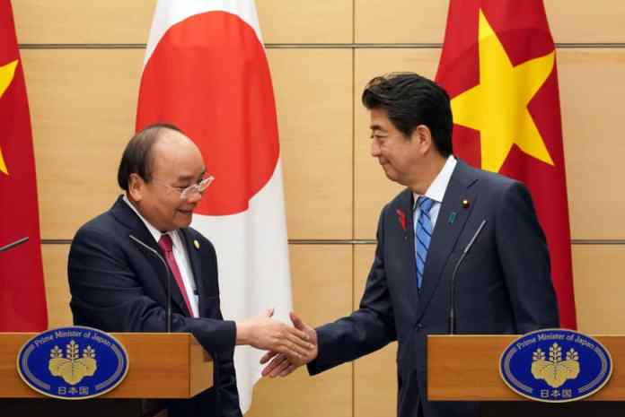 Prime Minister Shinzo Abe and Nguyen Xuan Phuc