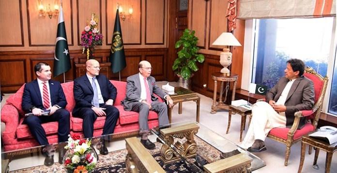 Prime Minister Imran Khan meets the visiting U.S. Secretary of Commerce Wilbur Ross.
