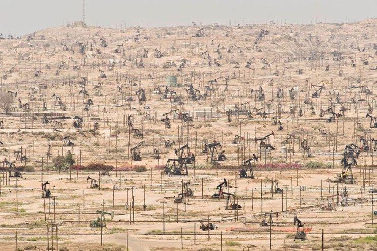 Kern River Oil Field – California