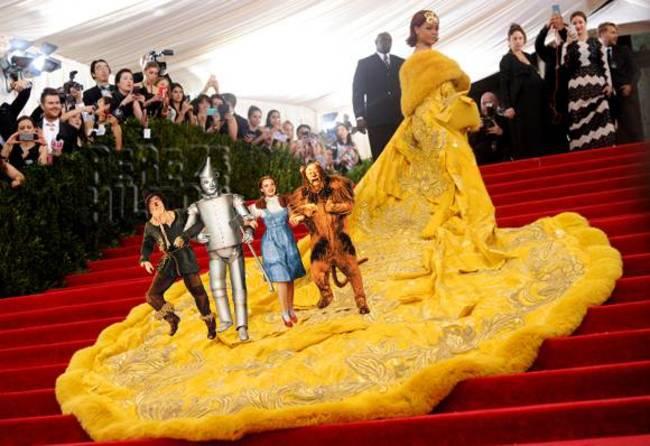 Rihanna kostüm geyikleri 8