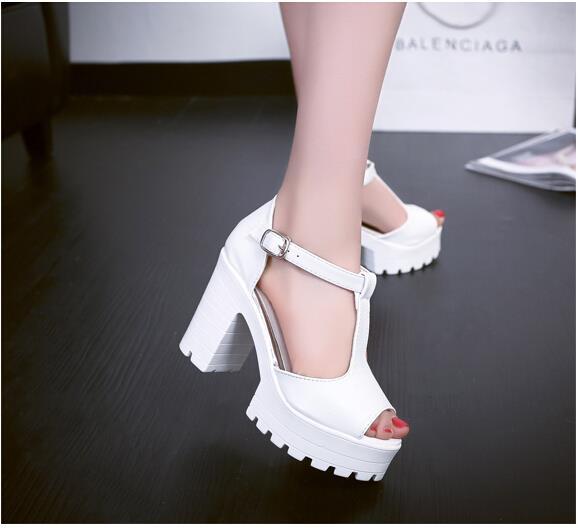araba lastiği ayakkabılar