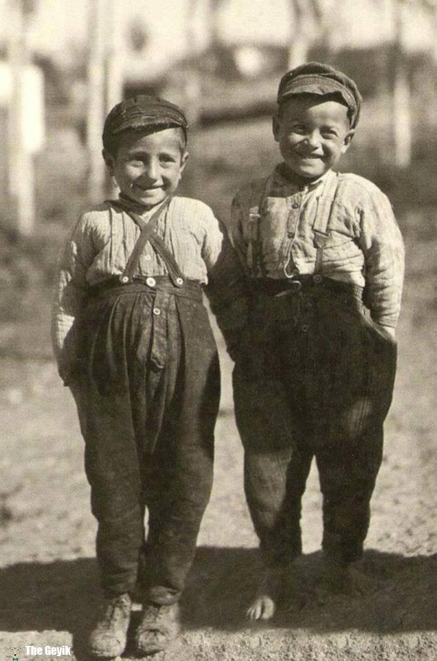 siyah beyaz çocuk foto