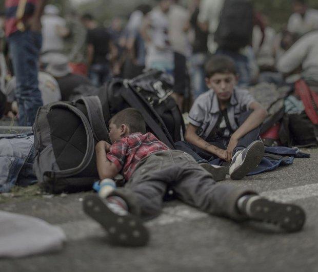 Suriyeli göçmen çocukların yattığı yerler magnus wennman 9