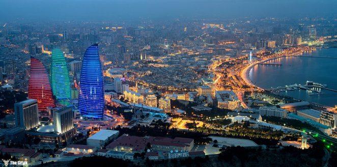 Bakü, Azerbaycan Cumhuriyeti'nin, Hazar Denizi'nin batı kıyısında yer alan başkentidir. Kafkaslar'ın en büyük şehri, en önemli kültür ve ticaret merkezidir.