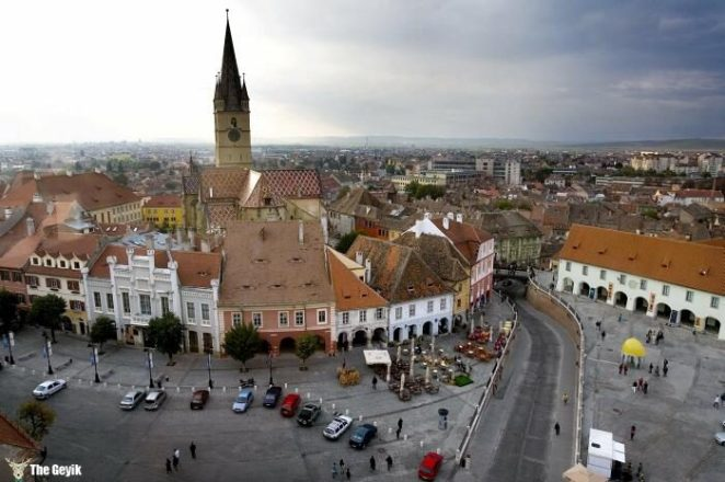 A general view of the small square in Sibiu, Romania, 350 kilometers northwest of Bucharest, Sunday Oct. 7 2007. The medieval city of Sibiu, also known as Hermannstadt, is a 2007 European Capital of Culture.(AP Photo/Vadim Ghirda)
