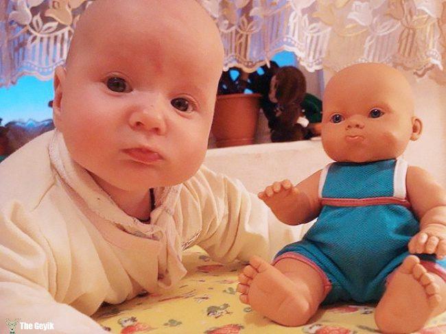 oyuncağına benzeyen bebekler 3