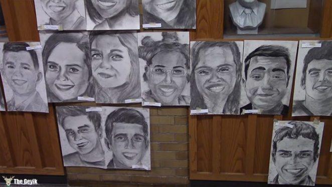 okul arkaslarinin resimlerini gizlice cizen Phillip Sossou3
