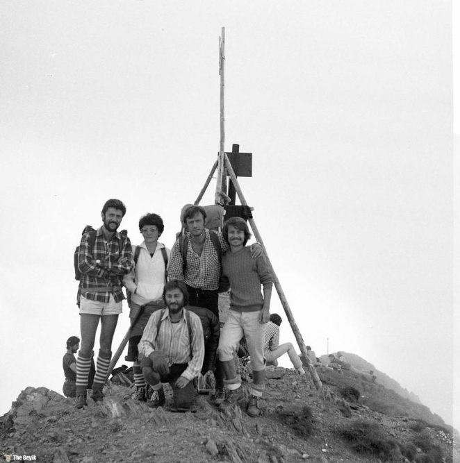 photos-of-mountain-hikes-in-communist-romania-876-333-1465925622