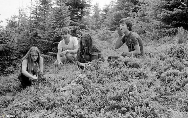 photos-of-mountain-hikes-in-communist-romania-876-396-1465925632
