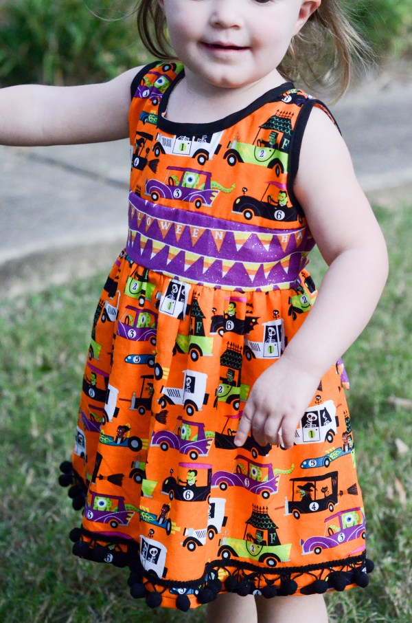 These handmade Halloween dresses are so festive! - http://thegiftedgabber.com/