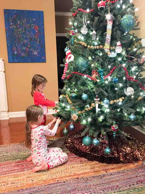 Gifts for Tree Trimming Family Night - #ad #SaveMoneyGiveBetter2017 - #Christmasfamilynight #treetrimming #giftbasketideas - The Gifted Gabber